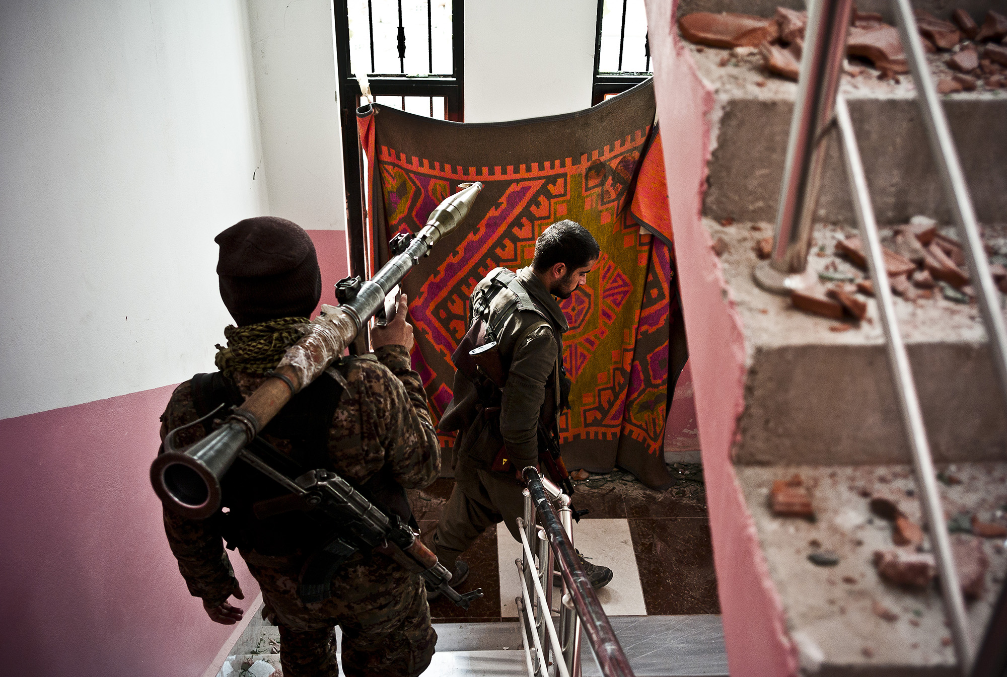 YPG fighters move to a new hideout. © Jacob Simkin